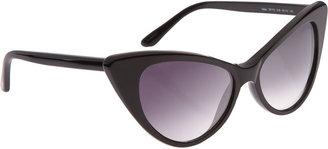 Kourtney-Kardashian-Cat-Eye-Sunglasses-Tom-Ford